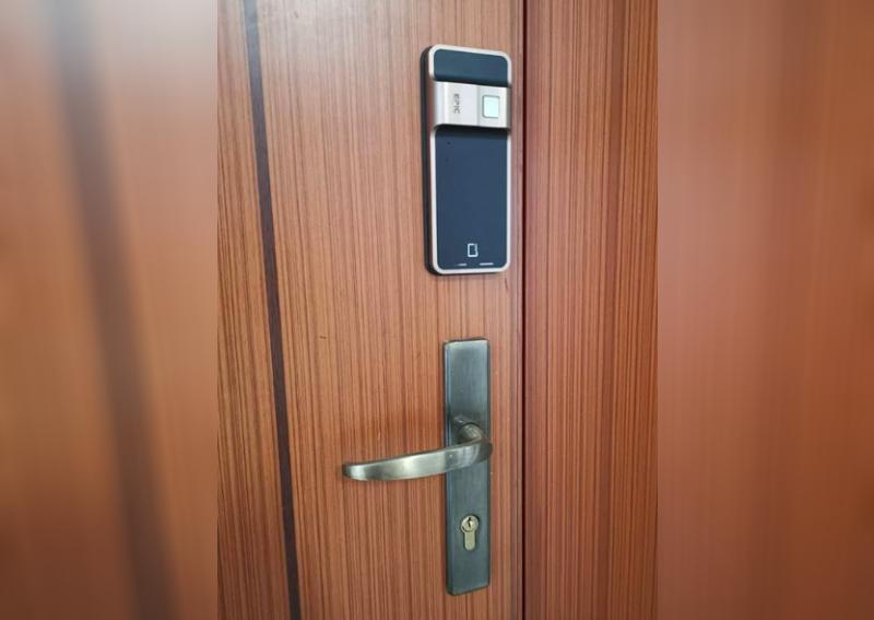 electronic lock safe in Singapore